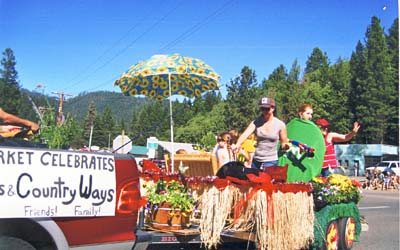 Grand Prize for Parrys Mkt Float